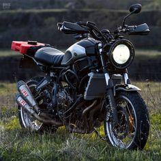 Objective Sliver Twin Lucas Motorcycle Tail Brake Light eyestyle Lamp For Custom Bike Cafe Racer Bobber Chopper Home