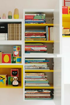 Kids room - Storing modules by Muurame - Varpunen Leuk, wit met geel