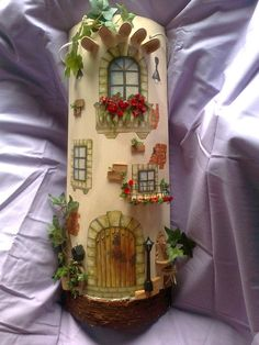 Manualidades y Artesanias Elizabeth 3d Paper Crafts, Diy And Crafts, Arts And Crafts, Clay Houses, Miniature Houses, Biscuit, Clay Wall Art, Decoupage Tutorial, Italy Art