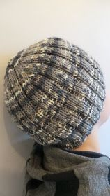 Elämää kutoen: Helppo pipo seitsemän veljestä langasta + ohje Knitting Patterns Free, Free Knitting, Knitted Hats, Knit Crochet, Diy And Crafts, Christmas Crafts, Beanie, Sewing, Fashion
