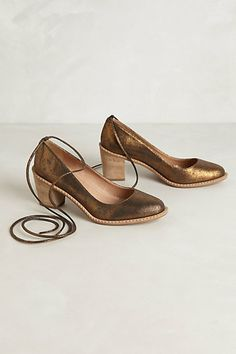 Marirosa Metallic Pumps #anthropologie AHHHH!!! I LOVE COPPER-COLORED FINDS!!!! These look so FABULOUS!! Ahhhh... WISHING FROM SANTA!