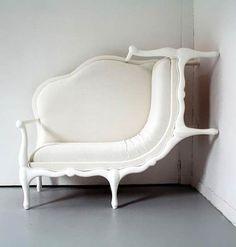 Décorateur intérieure / mobilier / Design / Blanc / Fauteuil louis xv revisité / Original / insolite / baroque                                                                                                                                                     Plus