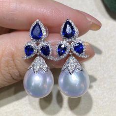 Tiny Star Earrings/ Diamond Star Earrings in Solid Gold/ Tiny Diamond Earrings/ Tiny Stud Earrings/ Tiny Diamond Studs/ Valentines Day - Fine Jewelry Ideas Gold Rings Jewelry, Ear Jewelry, Pendant Jewelry, Diamond Jewelry, Jewelry Accessories, Fine Jewelry, Jewelry Design, Gold Bracelets, Sapphire Jewelry