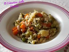 Minestrone di riso al microonde, con verdure in questo caso surgelate. Siete di fretta, non avete voglia di mettervi ai fornelli? questa idea fa per voi.