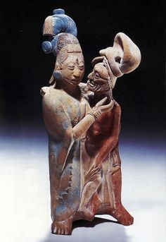 My Sleepy Kisser. with feelings hid. — Maya Couple Figurine ~ Jaina elderly man and young. Art Sculpture, Sculptures, Ancient History, Art History, Hispanic Art, Maya Civilization, Inka, Art Premier, Mesoamerican