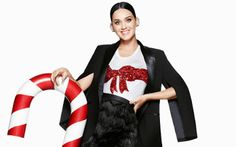 cotibluemos: Katy Perry, la musa navideña de H&M