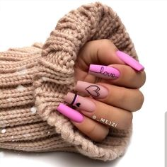 Still can't find the best nails arts and designs to go before on your special occasion nowadays? Just see here awesome pink nail arts for long and medium nails to show off in year Edgy Nails, Glam Nails, Stylish Nails, Trendy Nails, Glitter Nails, Coral Nails, Grunge Nails, Bling Nails, Pink Nail Art