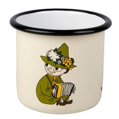 This cream-colored Snufkin mug is easy to use and durable. Make the Moomin characters a part of your everyday life. Muurla combines design with durability in th Moomin Shop, Mugs, Cream, Design, Creme Caramel, Cups, Design Comics, Mug, Sour Cream