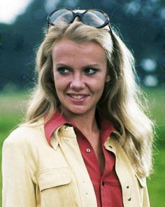Hayley Mills (1946) Daughter of Sir John Mills and sister of Juliet Mills, Hayley started as a child actress in Pollyanna, The Parent Trap, and The Moon-Spinners. [By prev.]
