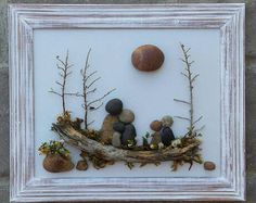 "Wood Art Pebble Art Family / Rock Art Family, family of five, in an ""open"" frame, . Stone Crafts, Rock Crafts, Diy And Crafts, Art Rupestre, Painted Rocks, Hand Painted, Pebble Art Family, Family Gifts, Family Family"