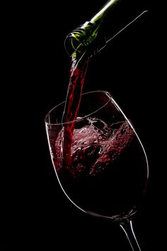 red wine poured into glass by Игорь Климов, via Wine Glass, Glass Art, St Hubert, Just Wine, Pouring Wine, Dancing Drawings, Wine Photography, Wine Down, Winter Painting