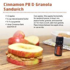 Cinnamon peanut butter and granola sandwich Utiliza aceites esenciales 100% naturales de Grado Terapéutico Certificado Puro para usarlos en la cocina e ingerirlos. Aquí mas info http://www.mydoterra.com/conocedoterra/  No te arriesgues con otras marcas. Sandwich de mantequilla de mani y granola.