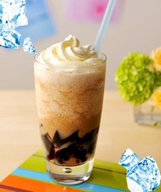 Café latté Frozen with Coffee Jelly Lego Food, A Food, Food And Drink, Jelly Cafe, Coffee Jelly, Drink Menu, Japanese Sweets, Smoothie Drinks, Party Drinks