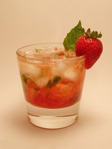 The Strawberry Gin Prosecco Cocktail – Diamond Jubilee party drink. – Drink – Source by cocktailsge Party Drinks, Fun Drinks, Gin And Prosecco Cocktail, Strawberry Gin, Thirsty Thursday, Easy Cocktails, Clean Eating Snacks, Easy Meals, Cooking