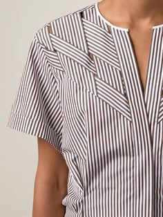 Nina Ricci camisa a rayas                                                                                                                                                                                 Más