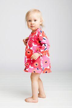 Marimekko for Hillie Marimekko Dress, Marimekko Fabric, Stylish Outfits, Kids Outfits, Stylish Kids, Kids Wear, Love Fashion, Colorful Shirts, Organic Cotton