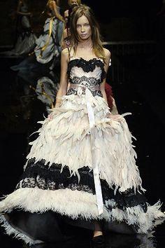 Dolce & Gabbana Spring 2006 Ready-to-Wear Fashion Show - Tiiu Kuik