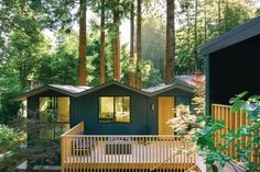 Richardson Pribuss Architects Designs an Artists' Residence in Mill Valley, California. When a New York–based artist couple decided they needed an exurban getaway, they opted out of the usual suspects. No Hamptons, Hudson Valley, or Berkshires. Instead, they cast their net some 3,000 miles away and landed in Mill Valley, California, where they purchased a diminutive cottage. #interiordesign #architecture #getaways Mill Valley California, Sun Valley Bronze, Cedar Siding, Design Within Reach, Architect Design, Architects, Hudson Valley, Cottage, Exterior