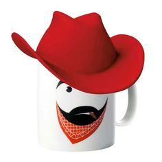 Μία διαφορετική κούπα, η κούπα Clint με κόκκινο καπέλο, από πορσελάνη. Διαστάσεις: Y 14cm M 14cm Π 16cm