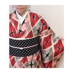 . 覚王山祭コーディネート キモノ #tento さん オビ #それいゆ さん 半衿 #ノムラテーラー さんのハギレ イヤリング #映日果ラベル さん キモノがハデな柄なので小物などはスッキリさせました。 #着物 #kimono #銘仙 #趣着物 #覚王山 #misaのキモノコレクション #kimonoノート