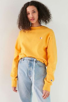 Champion Reverse Weave Pullover Sweatshirt - Urban Outfitters #pulloveroutfit