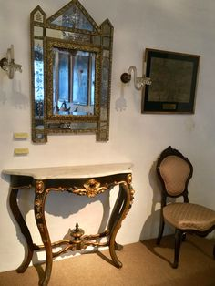 Consola y espejo de la casa de la Independencia de Asunción-Paraguay