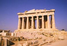 Pourquoi ne pas donner un coup de main à la Grèce en y passant ses vacances