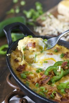 Baked Eggs and Cheesy Grits with Bacon and Jalapeño! The ultimate Southern brea. Baked Eggs and Cheesy Grits with Bacon and Jalapeño! The ultimate Southern breakfast! Cheesy Recipes, Egg Recipes, Pork Recipes, Brunch Recipes, Cooking Recipes, Free Recipes, Brunch Ideas, Dinner Ideas, Gourmet