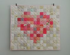 Pink love {a finished baby quilt) 35x37 http://blueelephantstitches.blogspot.se/2012/11/pixelated.html