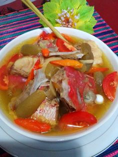 Pindang Kepala Ikan Kakap Merah by Lily Maskoer Indonesian Food, Thai Red Curry, Recipies, Food And Drink, Lily, Cooking Recipes, Beef, Ethnic Recipes, Foods