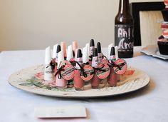 Tag e Esmaltes fofos para lembrancinhas - Chá de Lingerie da Nívia. <3  Hand Made Cerimonial Atelier