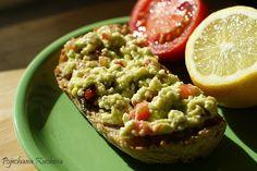 Pasta z awokado i twarogu - http://www.mytaste.pl/r/pasta-z-awokado-i-twarogu-4152341.html