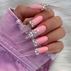 Pink Stiletto Nails, Bling Acrylic Nails, Best Acrylic Nails, Rhinestone Nails, Glue On Nails, Rhinestone Nail Designs, Pink Bling Nails, Art Nails, Purple Nails