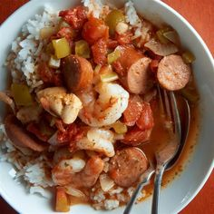 This jambalaya recipe has taken years to perfect. It takes chicken, smoked sausage, onions, peppers, celery and tomatoes in a slow cooker to create the most wonderfully spicy dish. Serve over freshly cooked rice or pasta. Healthy Vegan Desserts, Healthy Pastas, Healthy Crockpot Recipes, Healthy Soup, Slow Cooker Recipes, Cooking Recipes, Yummy Recipes, Spicy Dishes, Crock Pot Soup
