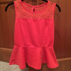 Reddish/coral peplum top with lace Doesn't have a tag, lightly worn! Best fits small and maybe a medium. Make an offer through the offer button :) Tops Tank Tops