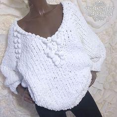 Белоснежный плюшевый свитер оверсайз от Olga Lace – купить или заказать в интернет-магазине на Ярмарке Мастеров | НА ЗАКАЗ НЕ РАБОТАЮ! Работа продана, представлена…