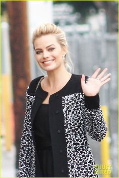 Margot Robbie looks gorgeous as she arrives for a taping of Jimmy Kimmel Live! in Los Angeles. #Fashion #Style #Beauty #Hollywood