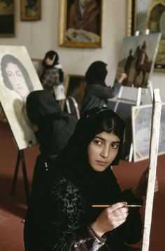 Faces of Afghanistan: Art student, 2002. Photo by Steve McCurry  http://salamalaikum.tumblr.com/post/45487424527/steve-mccurry-afghanistan-kabul-2002-art/