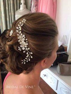 Beautiful Bridal Freshwater Pearl   Crystal Hair Comb a77c2727d471