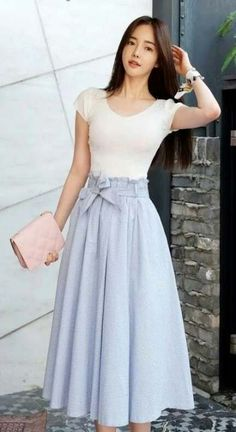 52 Midi Skirts Trending Now - Summer Fashion New Trends Modest Outfits, Modest Fashion, Hijab Fashion, Korean Fashion, Dress Outfits, Fashion Dresses, Cute Outfits, Circle Skirt Outfits, Fashion Shoes