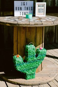 Spool table from an