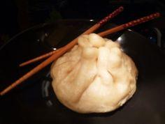 Bonjour les momozamis! Mes 2 jeunes sont rentrés hier soir de leur pré-rentrée en FAC licence japonais ,aussi je leur ai préparé un repas de circonstance:des nikumans,petits pains farcis de viande hachée parfumée, et cuits à la vapeur On a tous apprécié!la...