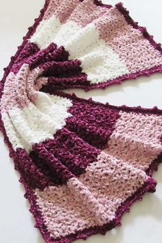 This free crochet blanket pattern features a unique lace stitch and a gorgeous picot border. The easy step by step tutorial is suitable even for beginners. This afghan looks luxurious in chunky Bernat Velvet yarn. Crochet Blanket Tutorial, Easy Crochet Blanket, Crochet Blankets, Afghan Blanket, Crochet Blanket Stitches, Ripple Afghan, Baby Blankets, Crochet Crafts, Crochet Yarn