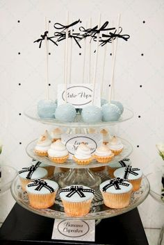 cool way to hhave different things on a cake stand