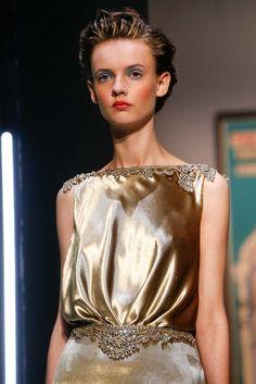 "runwayandbeauty: "" Detail at Schiaparelli Fall 2015 Haute Couture, Paris Fashion Week. Couture Mode, Couture Fashion, Runway Fashion, Fashion Show, Fashion Outfits, Paris Fashion, Gold Fashion, Style Fashion, Couture Details"