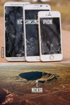Nokia Vs iPhone Meme Fight: Who won? Crazy Funny Memes, Funny Relatable Memes, Wtf Funny, Funny Jokes, Hilarious, Iphone Meme, Really Funny, Best Memes, Dankest Memes