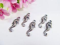 Anhänger Tiere - 10 Seepferdchen Anhänger / Charm, Fb silber antik - ein Designerstück von Perlenbraut- bei DaWanda