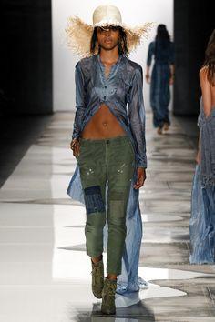 Greg Lauren, New York Fashion Week, Frühjahr-/Sommermode 2016 Ny Fashion Week, Runway Fashion, Fashion Show, Fashion Outfits, Womens Fashion, Military Chic, Denim Outfit, Mode Inspiration, Trends