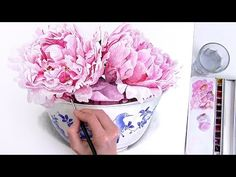 How to paint a bright, rounded, 3D petal in watercolour - YouTube