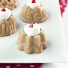 Gingerbread Martini Jello Shots.